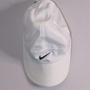 Nike Featherlight adjustable Hat White